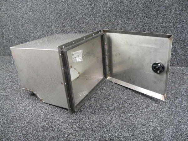 Defender 110 Rear Side Locker Post 2007 - Stainless Steel - Accessories-0